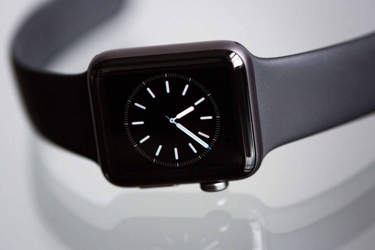 a black watch/Best Rectangular Watches